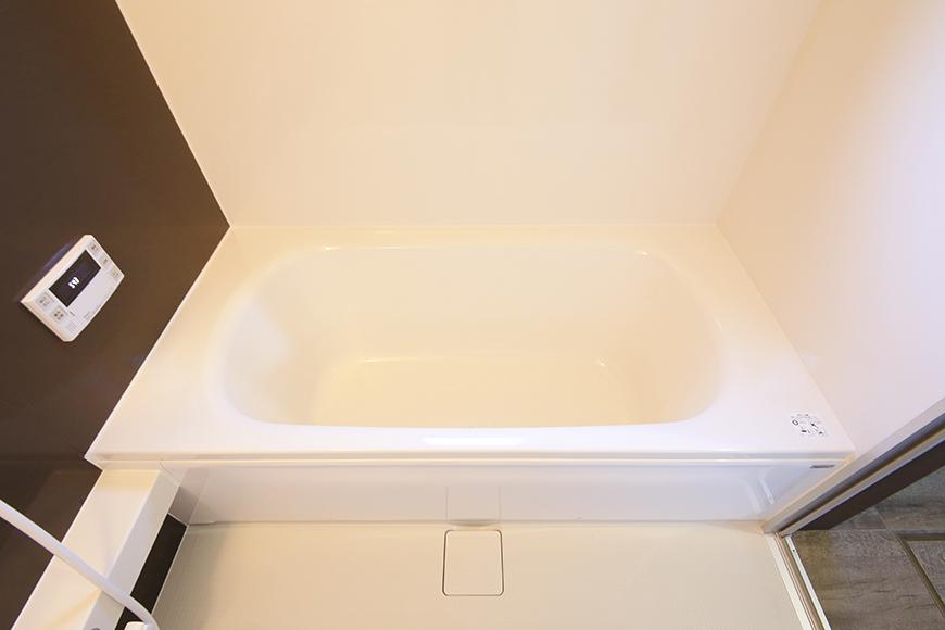 こちらバスルームです!  大きな浴槽で、とっても快適・リラックス・スペース♪_MG_9773