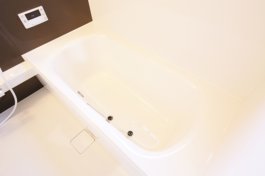 こちらバスルームです!  大きな浴槽で、とっても快適・リラックス・スペース♪_MG_9776