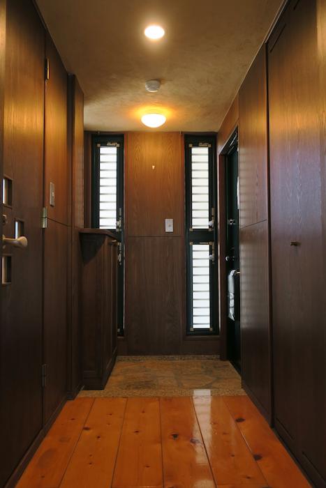 【2000 HOUSE】極上アンティーク空間 玄関