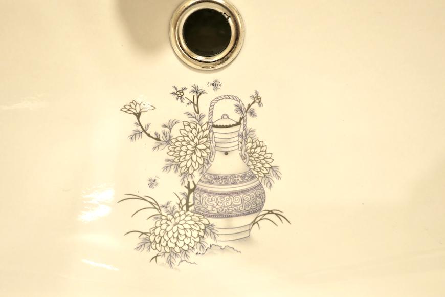 バスルーム21 【キャッスル東栄】 フレンチブルーがアクセント。 優雅でクラシカルなお部屋。