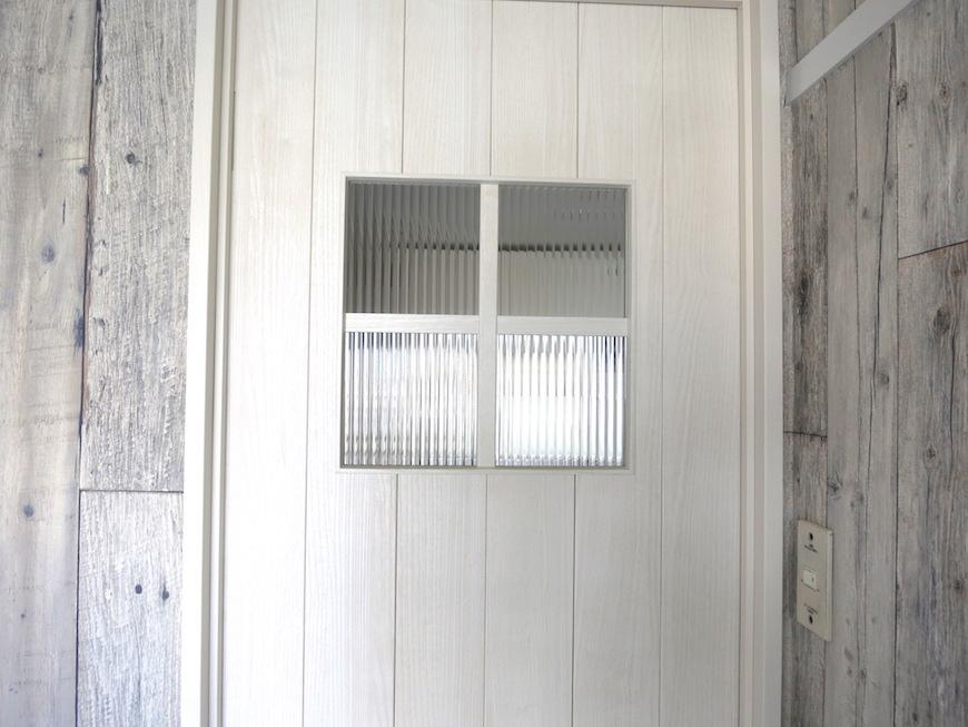 Room 扉。クールなシャビーシックな小物と素材たち。3