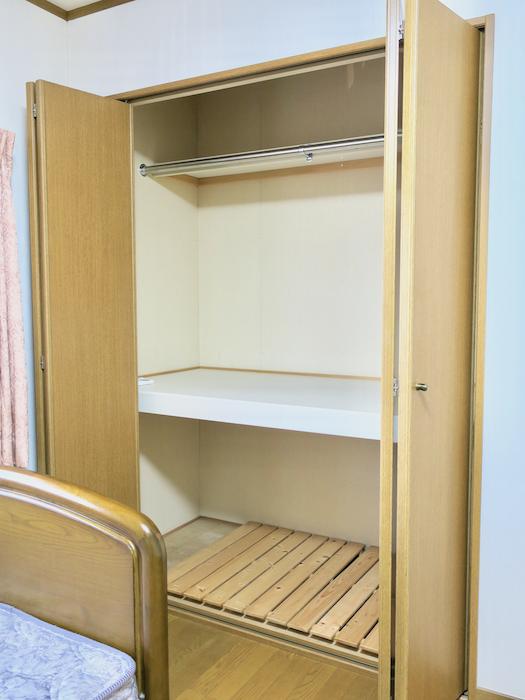 203号室 上下二段でたくさん収納できます。ユーカリの木かげにて リッチな暮らしが叶う家。 Ladies only【ユーカリの木の家】