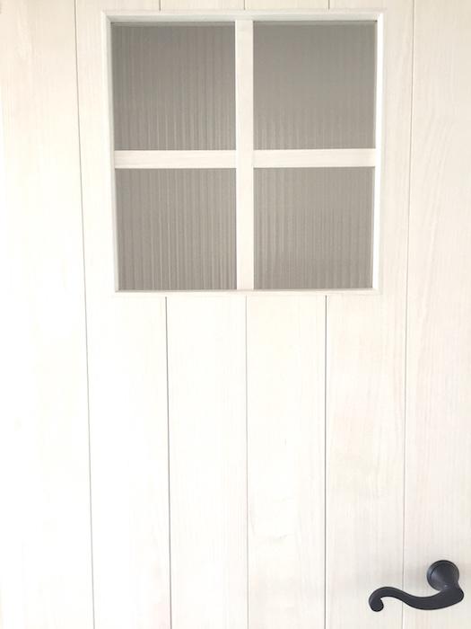Room 扉。クールなシャビーシックな小物と素材たち。1