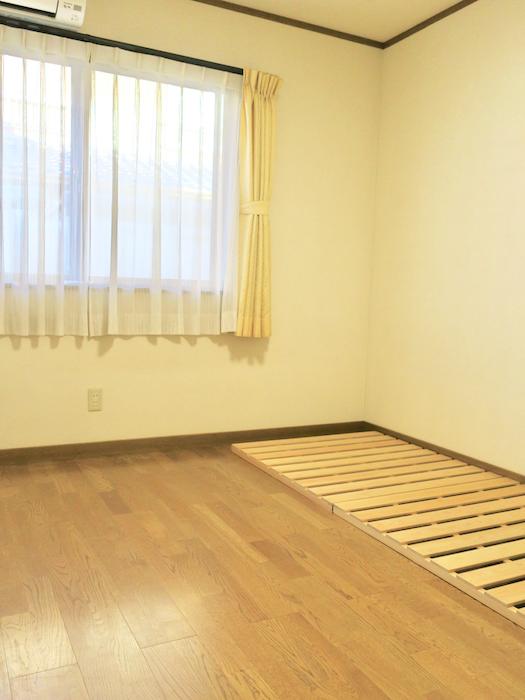 1Fプライベートルーム101号室。 無垢フローリング。ユーカリの木かげにて リッチな暮らしが叶う家。 Ladies only【ユーカリの木の家】