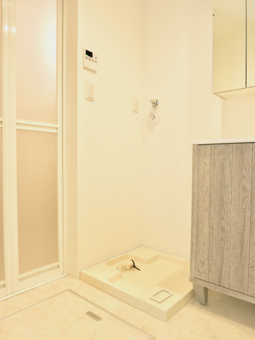 プリマノッツェ西尾 壱番館 バスルーム 洗濯機置き場2