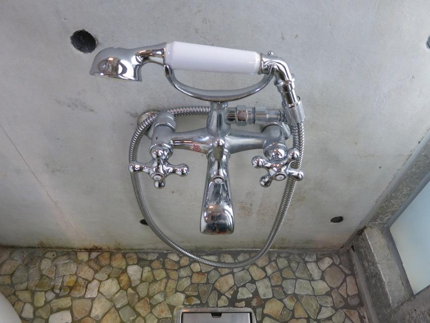 the LOFT 4-D 2階 バスルーム。シルバーのシャワーヘッド♡ 5