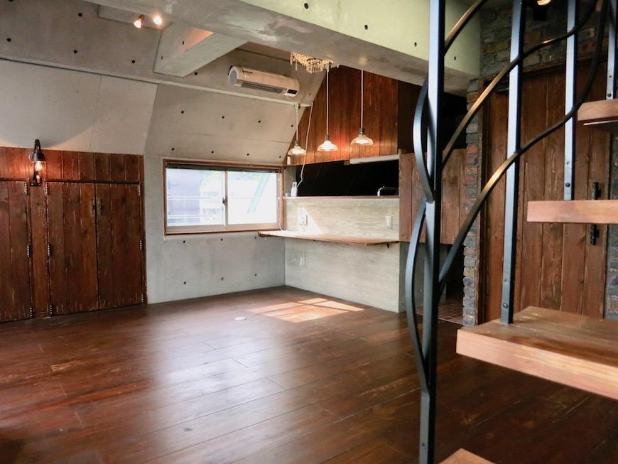 the LOFT 4-D リビング コンクリート・壁・カウンター全てのデザインが素敵3