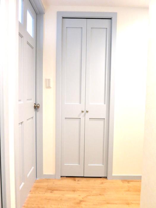 プリマノッツェ西尾 壱番館 玄関周り おしゃれな扉 10