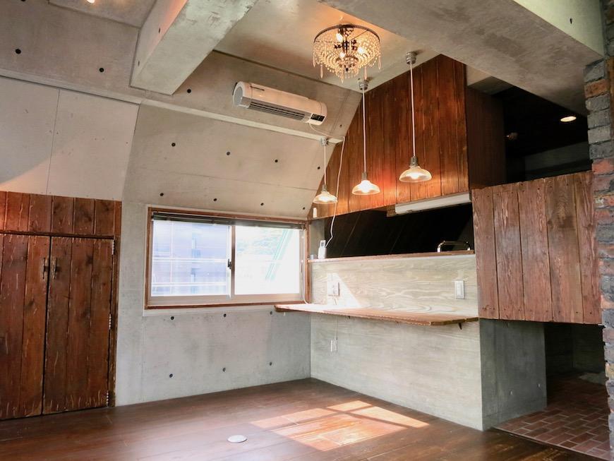 the LOFT 4-D リビング コンクリート・壁・カウンター全てのデザインが素敵5
