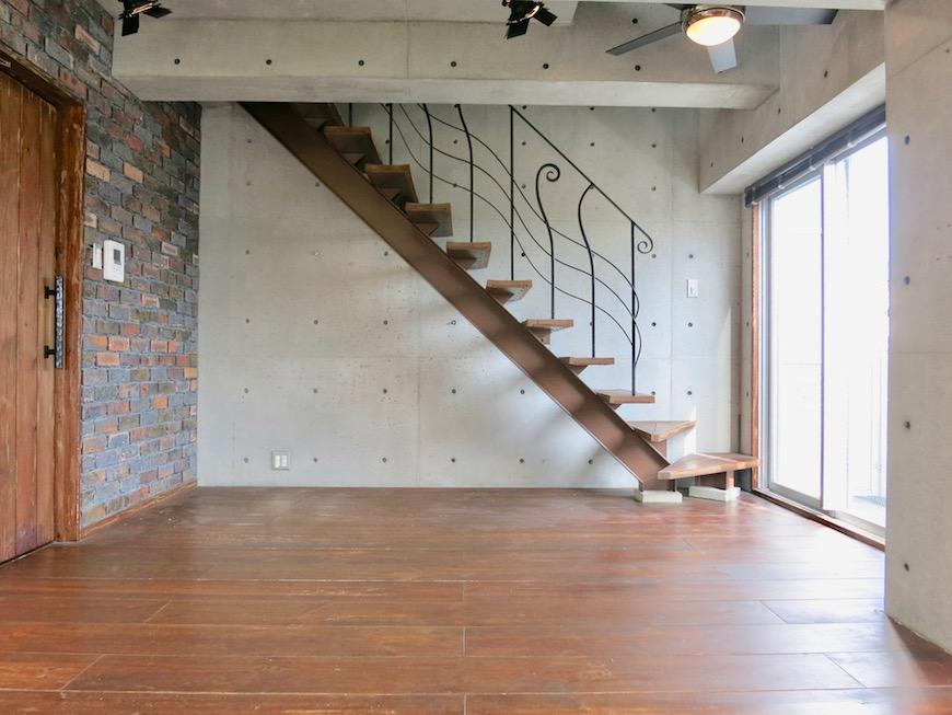 the LOFT 4-D リビング 階段のある風景・・いいお部屋♡2