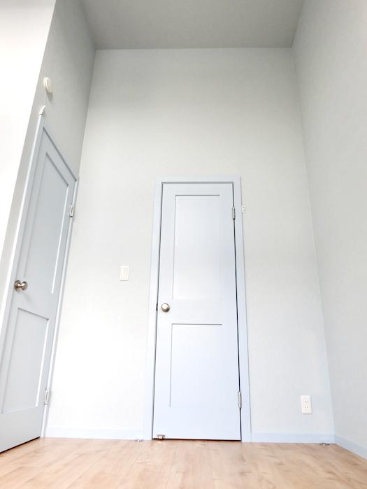 プリマノッツェ西尾 壱番館 プライベートルーム 天井高。扉上をご覧ください。7