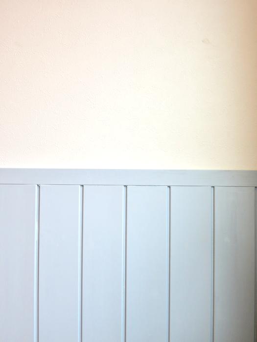 プリマノッツェ西尾 壱番館 LDK 上品なホワイト&水色腰板のコントラストが素敵2