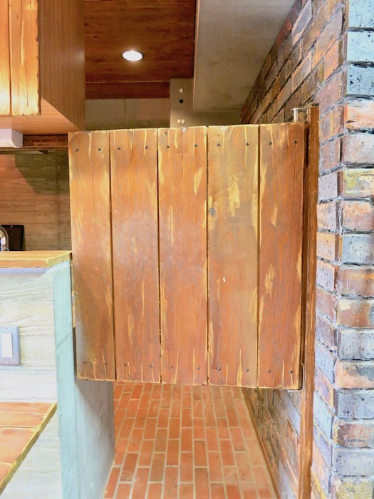 the LOFT 4-D キッチン スイング扉&扉を開けたところ。2