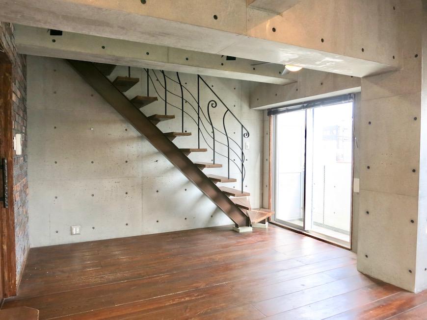 the LOFT 4-D リビング 階段のある風景・・いいお部屋♡1