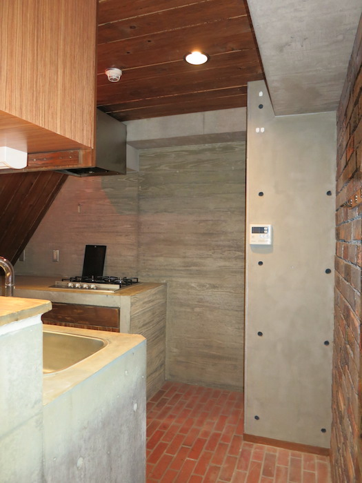 the LOFT 4-D キッチン スイング扉&扉を開けたところ。3