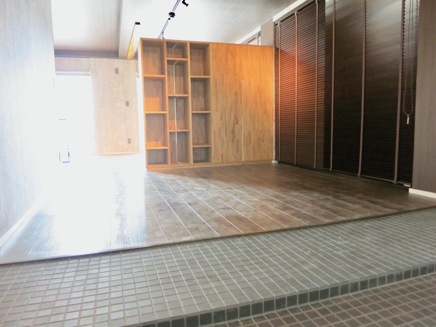 7E インダストリアル スタイル 幅広な土間。玄関とリビングが一体。 5