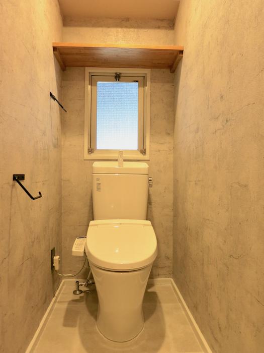 7F インダストリアル スタイル トイレ3