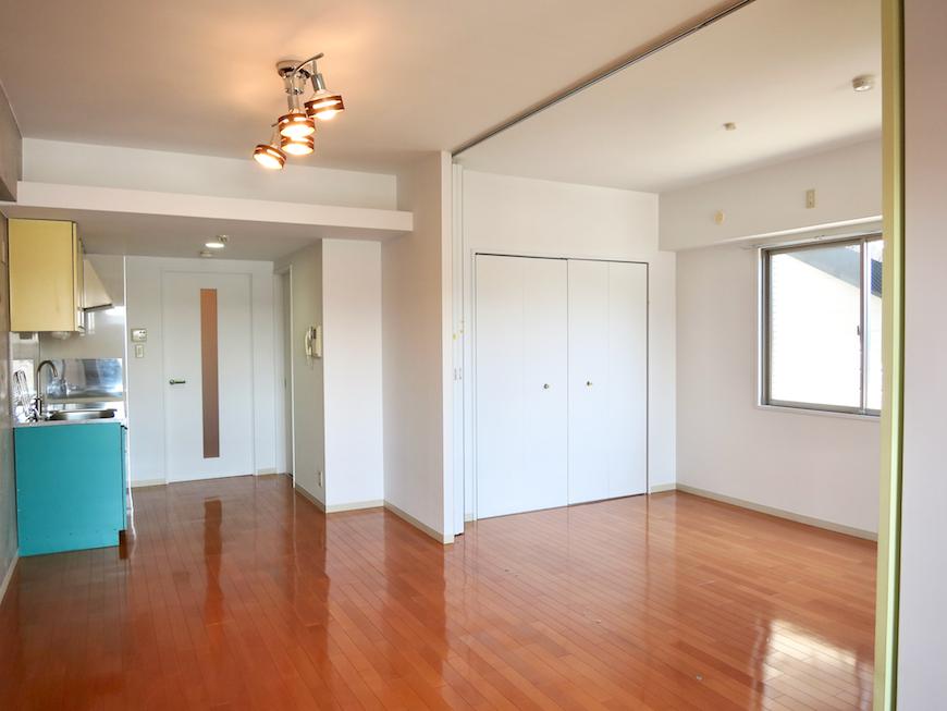 グラン・アルファ307 ポップカラーのキッチンがアクセント。お部屋の大きさ自由自在 全面23,6帖23
