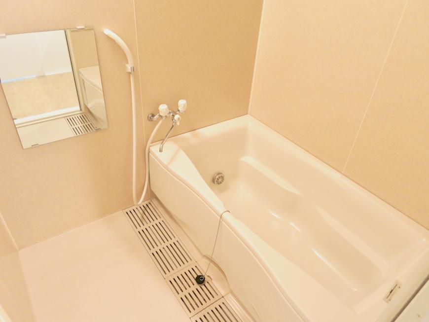 グラン・アルファ307 バスルームゆったりサイズです。