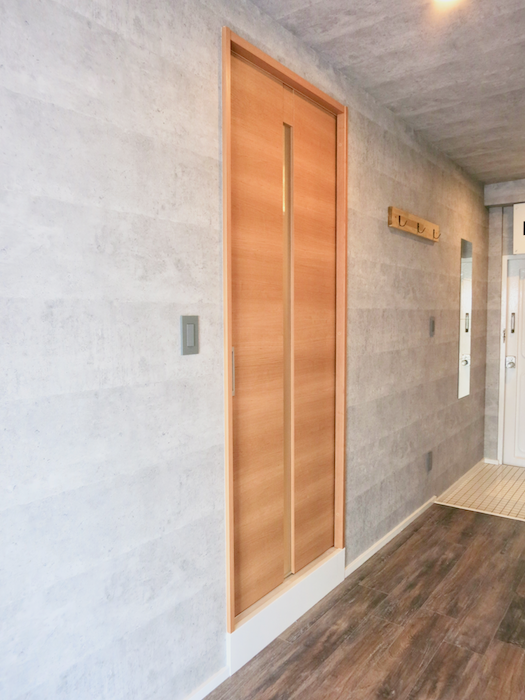 7F インダストリアル スタイル バスルームへの入り口1