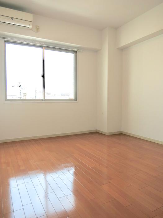 グラン・アルファ307 洋室 窓とエアコン付き♪