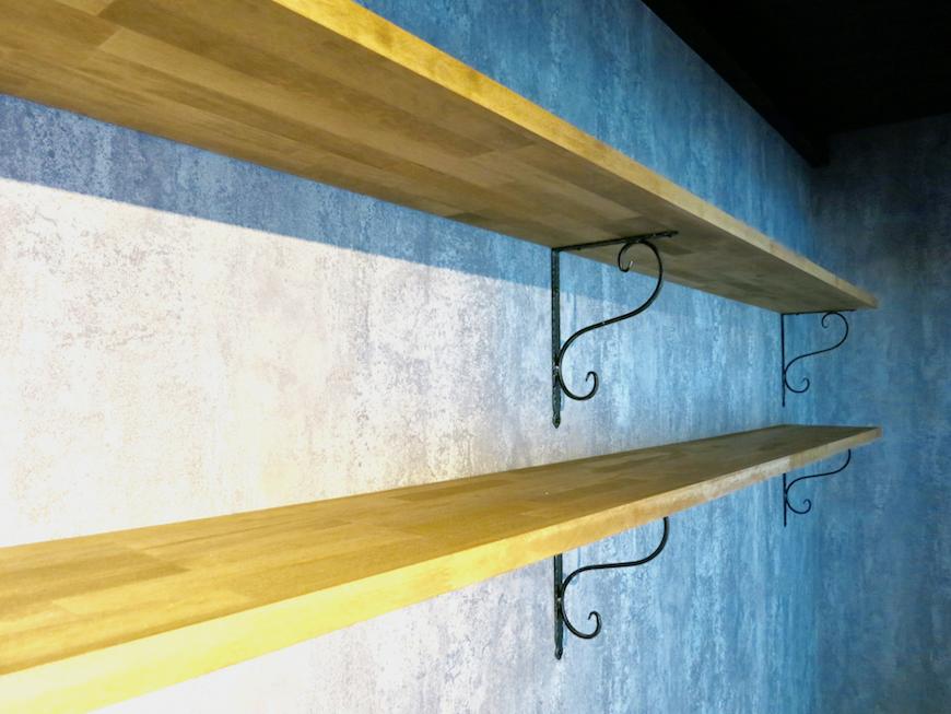 7E インダストリアル スタイル ブラインドを開ければ魅せる収納として使用可能3