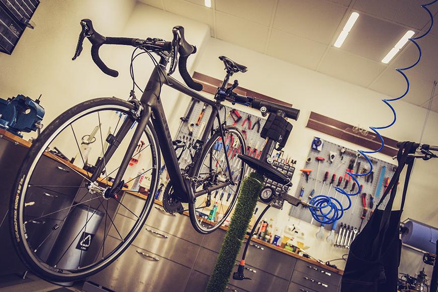 【日進・グリーンキャッスル】イメージ写真_ガレージハウス・自転車_01s