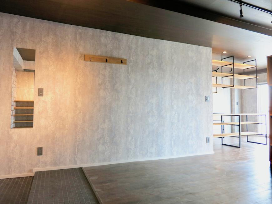 7E インダストリアル スタイル コンクリート打ちっ放し風の壁が渋い2