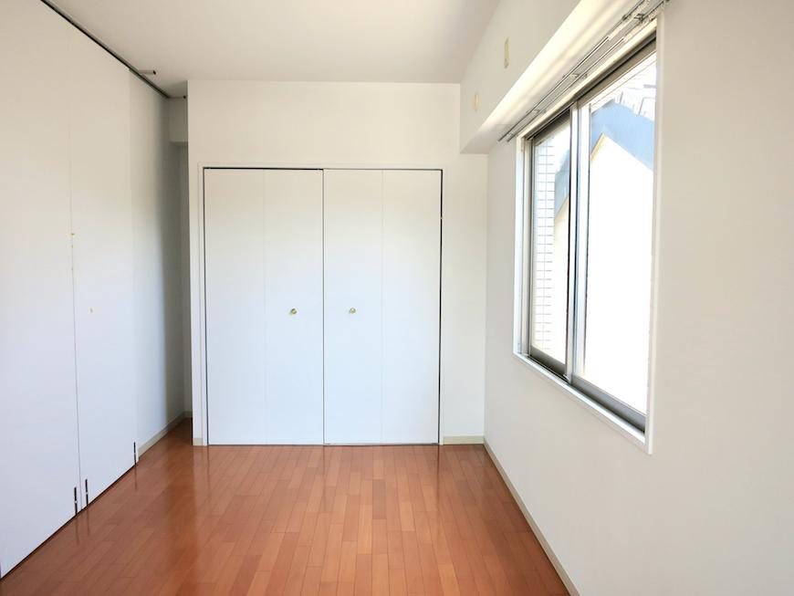 グラン・アルファ307 お部屋の大きさ自由自在 洋間6帖 パネルを立ててお部屋を区切った雰囲気。