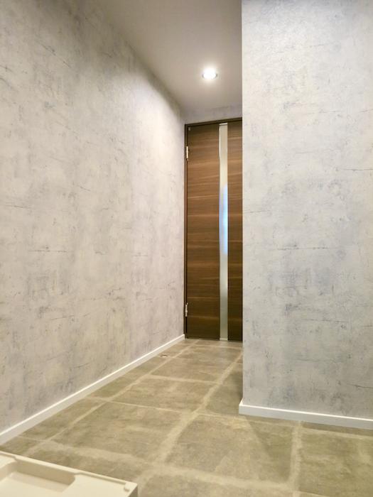 7E バスルーム&トイレ 無機質でモダンな水周り  2