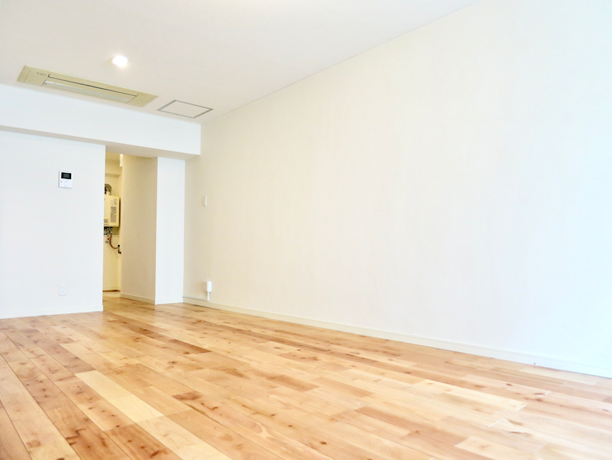 無垢の床が広がる部屋。 東海御園ハイツ 17