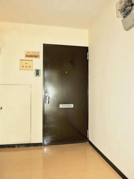 レトロな扉。 東海御園ハイツ 2