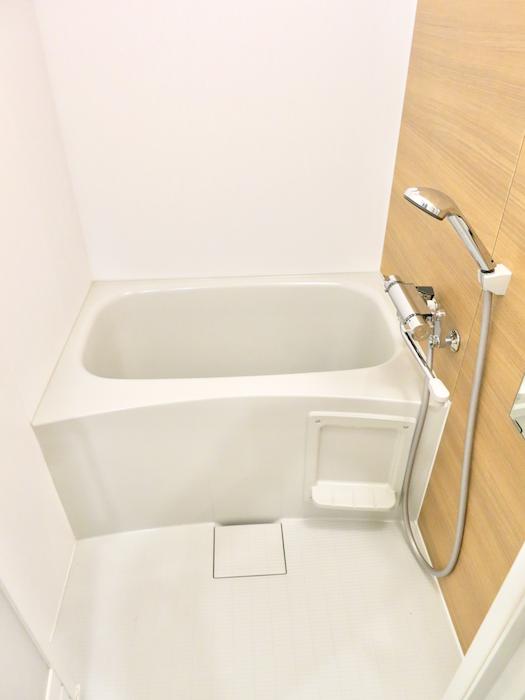 リノベーション後 新品になったバスルームです。東海御園ハイツ 10