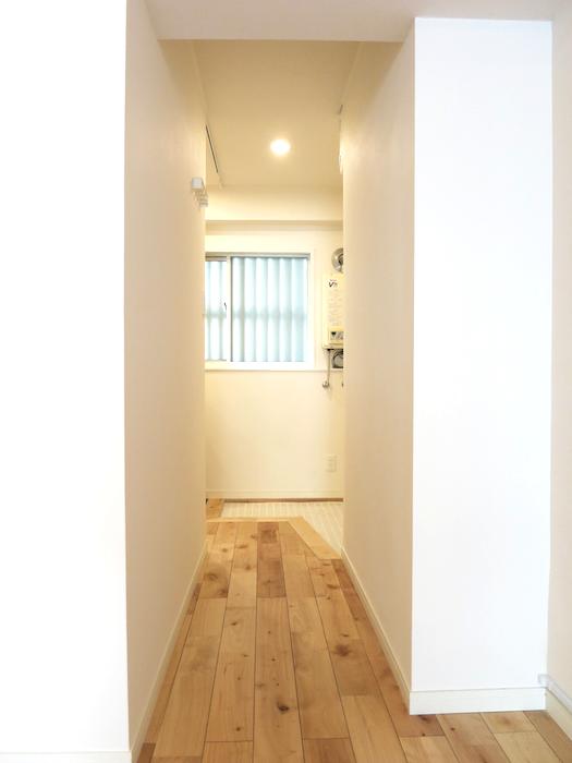 無垢の床が広がる部屋。 東海御園ハイツ 11