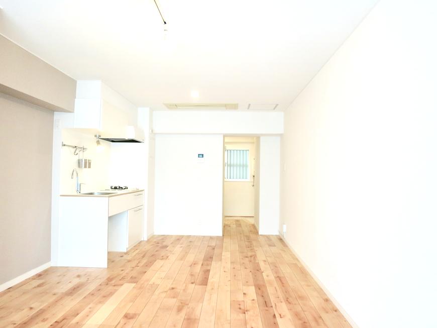 無垢の床が広がる部屋。 東海御園ハイツ 10