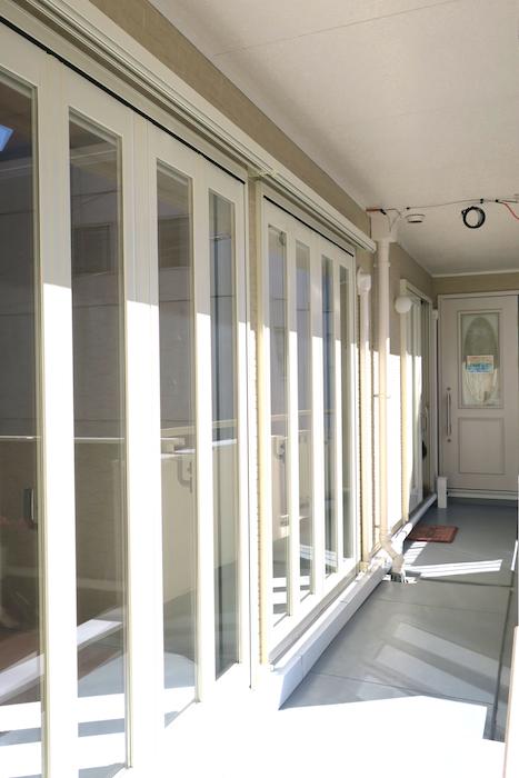 サロンスペース外側窓がたくさんで日当たり良好【Angelique ・Huit(アンジェリケ・ユイット)IMG_0582
