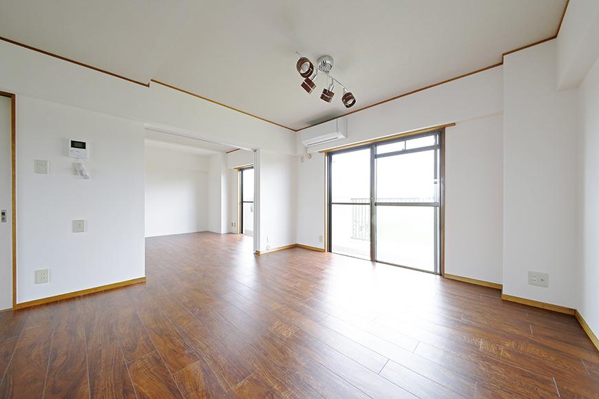 【TOMEI BASE】201号室_リビングと隣の洋室_MG_9192