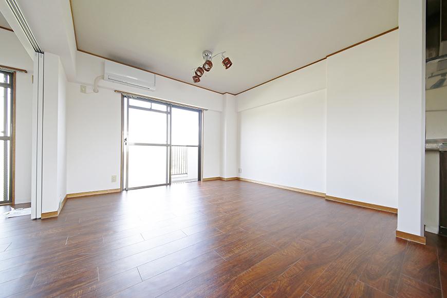 【TOMEI BASE】301号室_リビングスペース_MG_9647