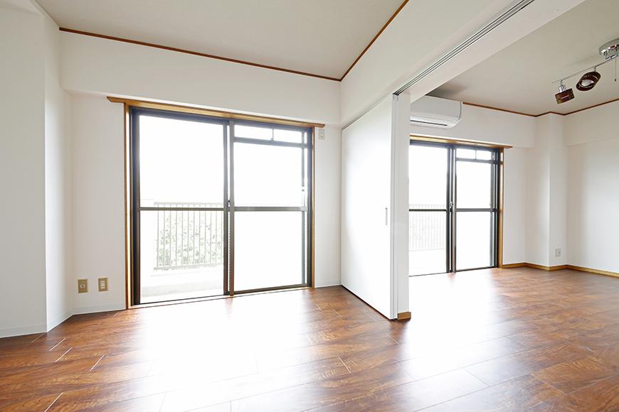【TOMEI BASE】201号室_二つの窓からの採光_MG_9241