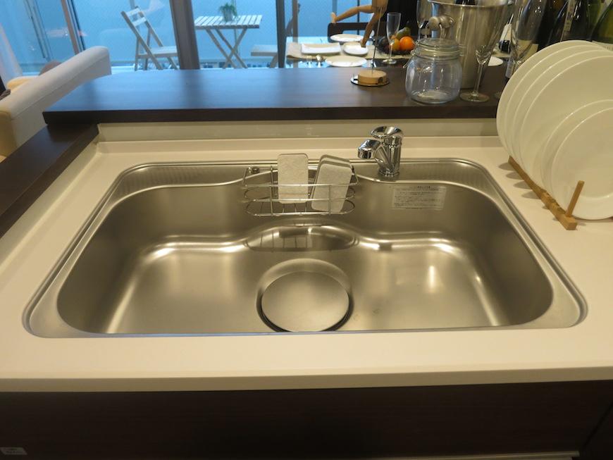 ラヴィータ泉 カウンターキッチン。使い易い長方形のシンク。Cタイプ31
