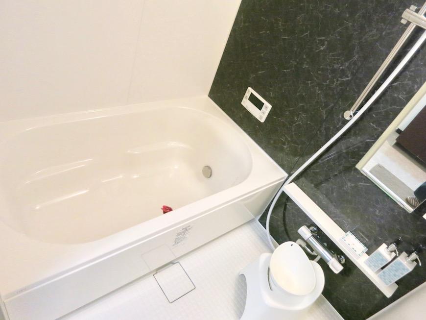 ラ・ヴィータ泉。 ゆったり広めのバスルーム。IMG_1540