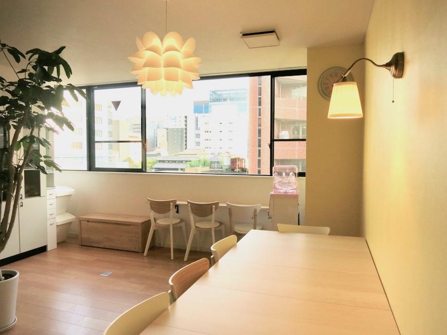 THe PLace  素敵な空間は壁・床・家具・照明の全てて創る。