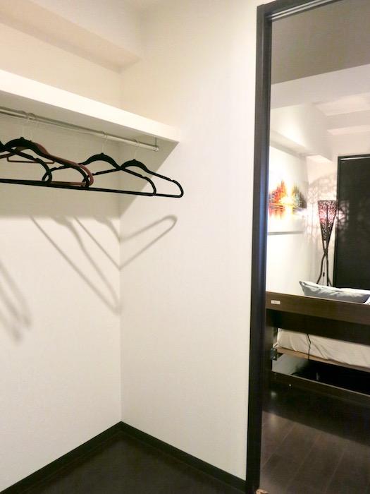 ラヴィータ泉 Cタイプ7 2部屋共用クローゼット。