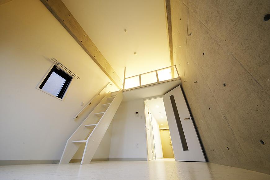 【Gstyle栄東】洋室からロフトへの眺め_MG_8963