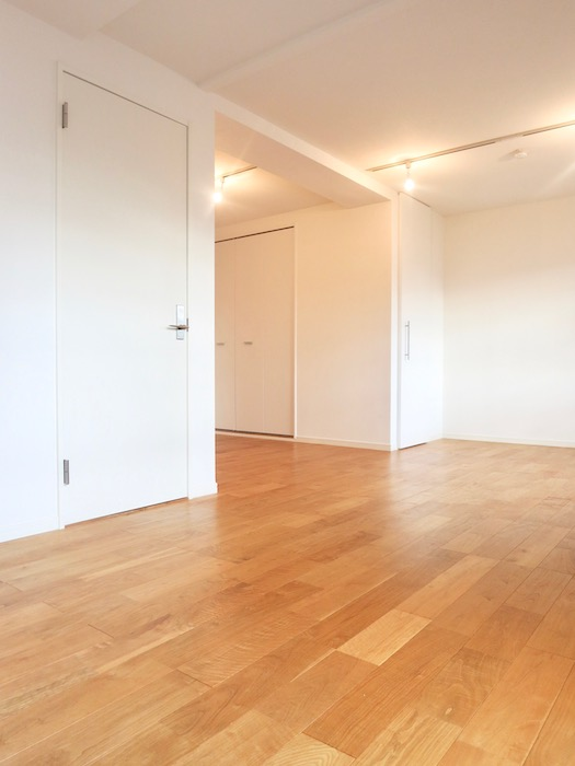 7A ナゴヤマンション今池  無垢の床が広がる TOMOS ROOM4