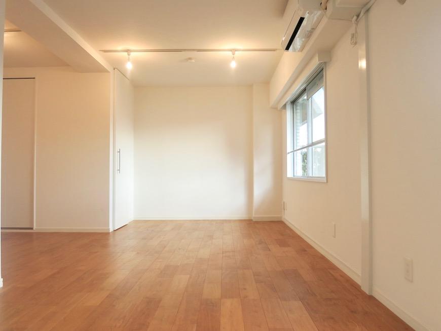 7A ナゴヤマンション今池  無垢の床ナチュラルなホワイトの壁 TOMOS ROOM2