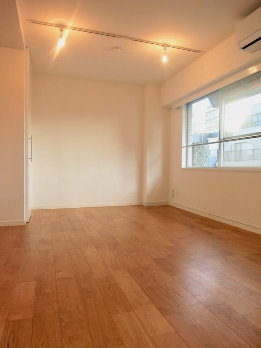 7A ナゴヤマンション今池  無垢の床ナチュラルなホワイトの壁 TOMOS ROOM7