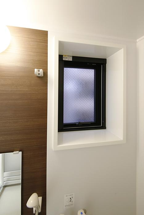【Gstyle栄東】水回り_バスルームの窓_MG_9028