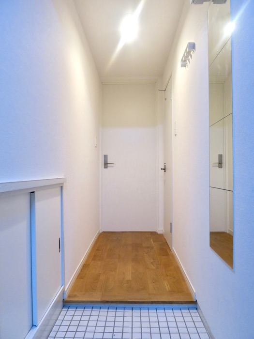 7A ナゴヤマンション今池 TOMOSのシンプルナチュラルな玄関1