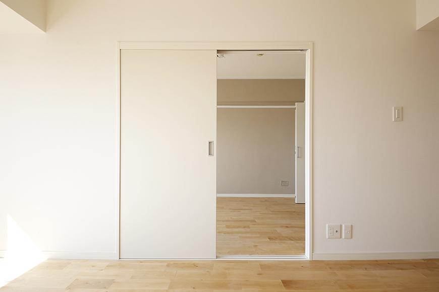 【内観】TOMOS江南_リビングのお隣の洋室は・・・_MG_7038